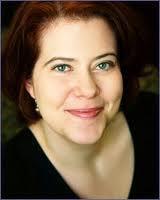 Claudia Gray ( Amy Vincent )