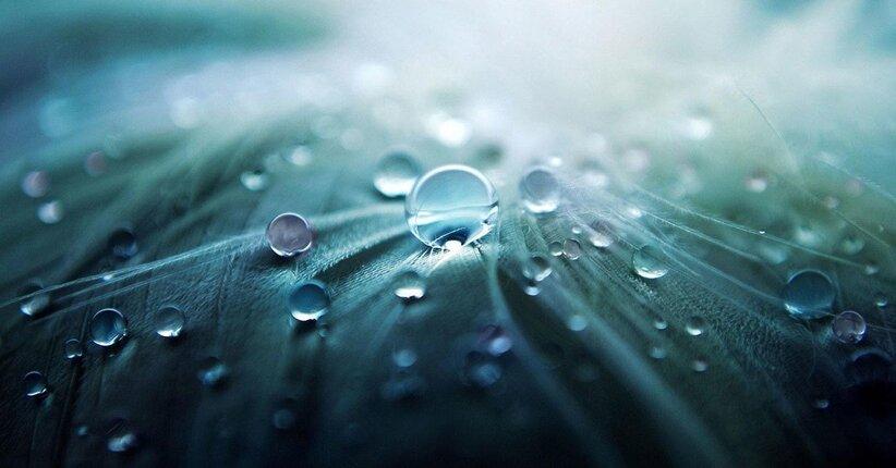5 modi per bere acqua energizzata