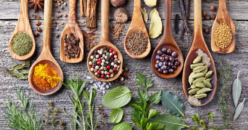 Arricchisci la tua cucina con le spezie e le erbe aromatiche