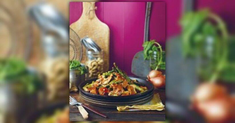 """Asparagi carnosi rosolati con erbe fresche - Estratto dal libro """"Fai come Isa!"""""""