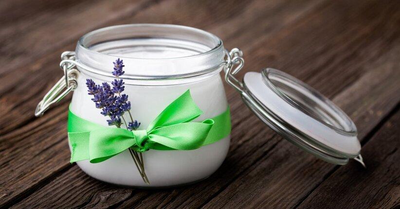 Burro per il corpo fai da te al profumo di oli essenziali