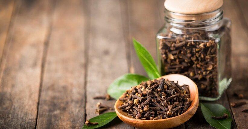 Chiodi di garofano: 10 benefici per la salute