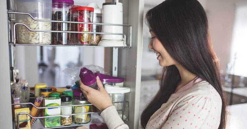 Combattere le tarme e i parassiti del cibo in modo naturale