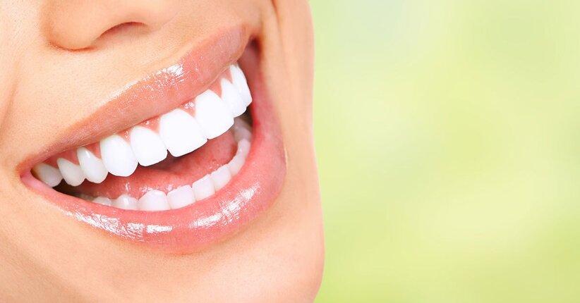 Conosci l'oil pulling? Una pratica salutare per il benessere della bocca