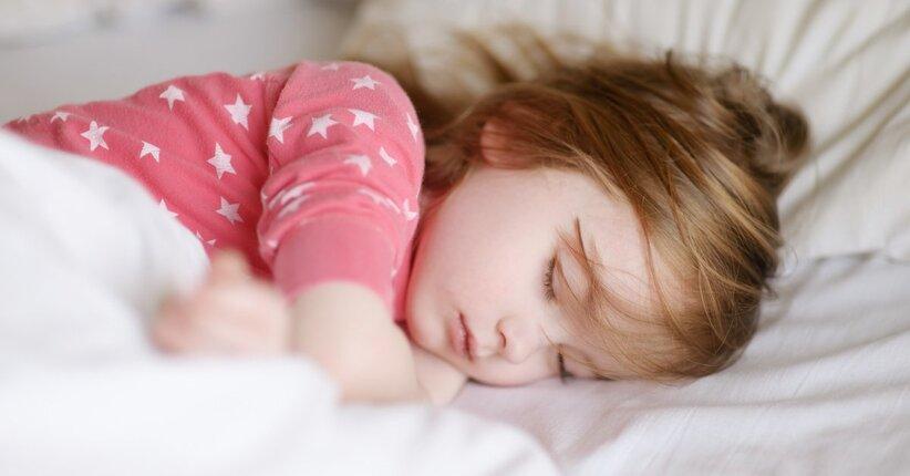 Enuresi notturna nei bambini: i rimedi naturali