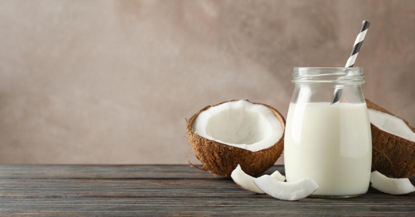 il latte di cocco fa ingrassare