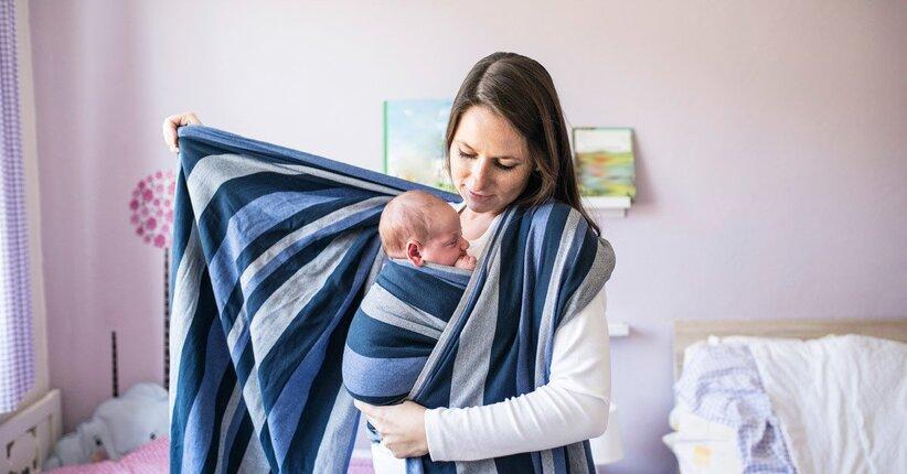 L'uso della fascia con i neonati: perché usarla?