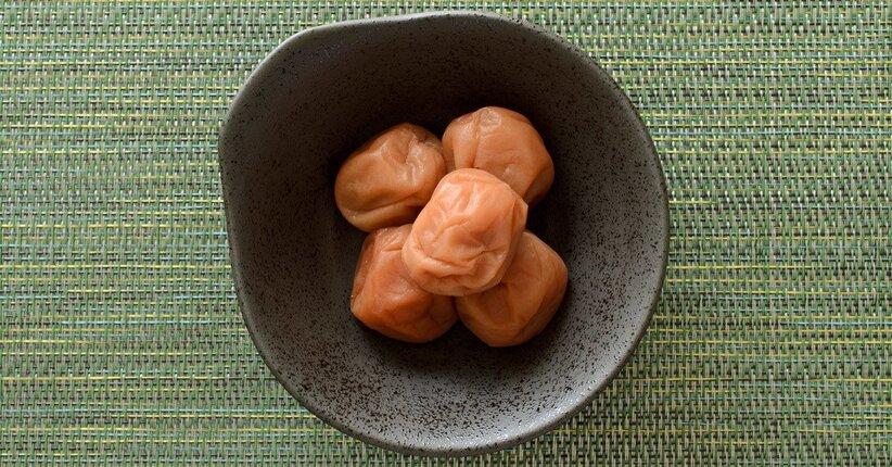 Alimenti fantastici e dove trovarli: la prugna Umeboshi