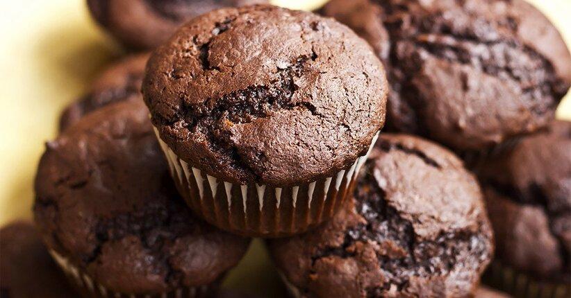 Muffin chetogenici al cioccolato e nocciole senza carboidrati, senza zucchero e glutine