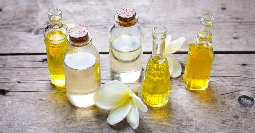 Olio di mandorla, olio di jojoba, olio di calendula