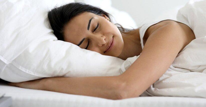 Olio essenziale di gelsomino contro l'insonnia