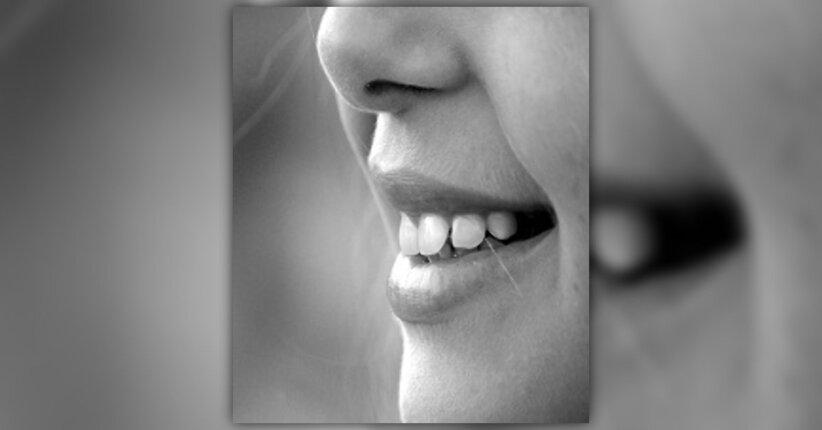Prendersi cura dei denti in modo naturale