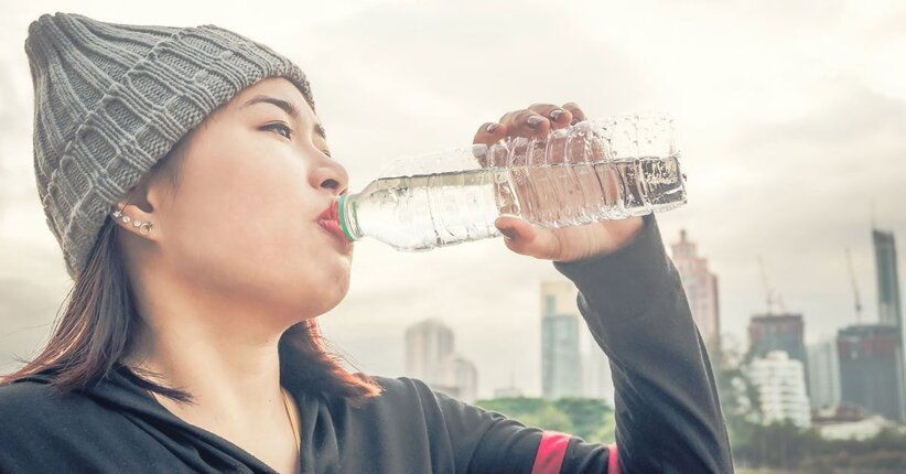 Quanta acqua bisogna bere? Perché?