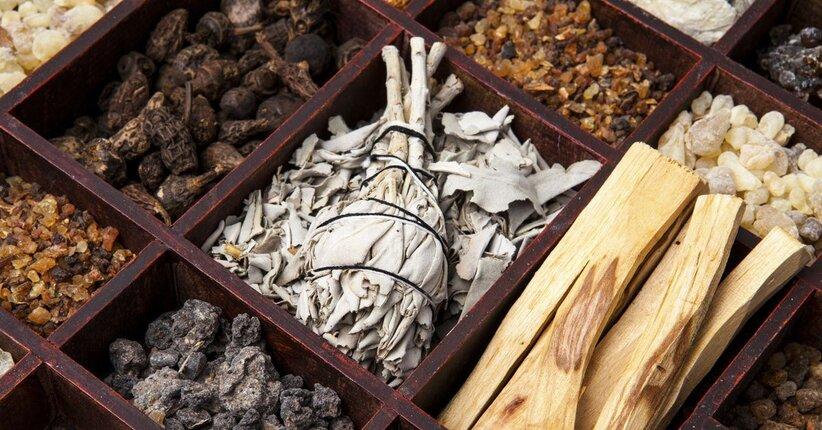 Scopri le diverse tipologie di incenso e la loro utilità