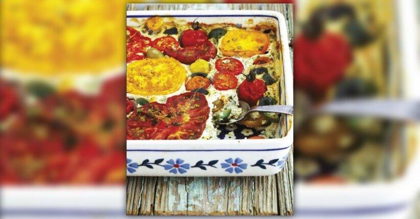 Soufflé di tofu con pomodoro, olive e basilico
