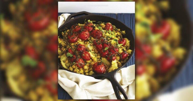 Stufato di ceci e sedano rapa con pomodori arrostiti