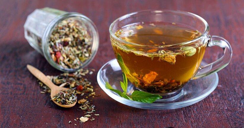 Vivere il piacere della tavola con tisane e condimenti naturali