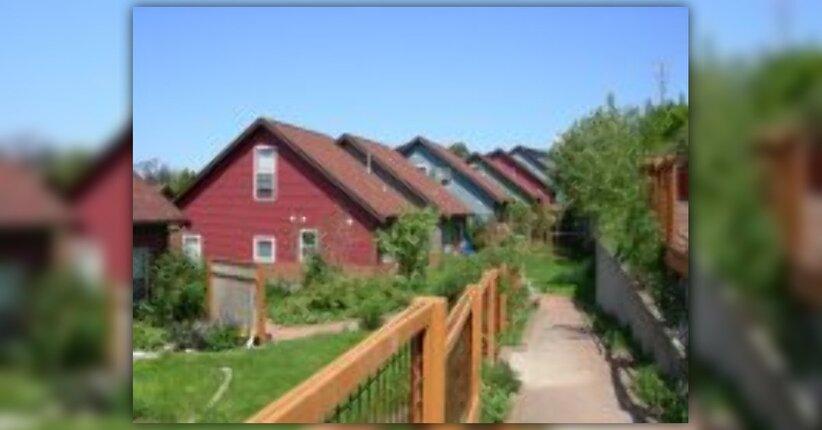 Vivere insieme: Cohousing ed Ecovillaggi