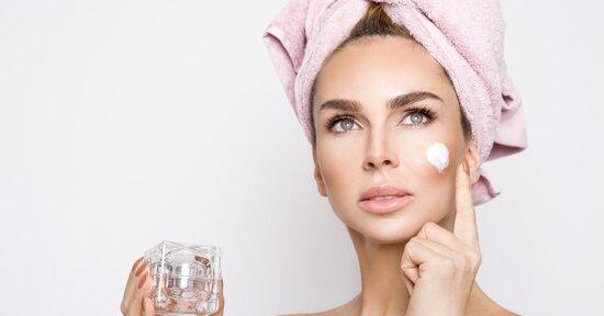 Acido ialuronico: come usarlo in cosmesi