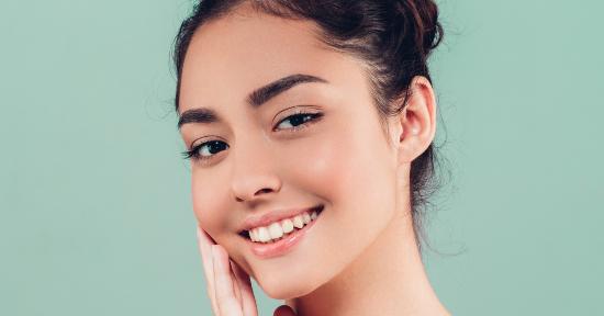 Come prendersi cura della pelle seborroica con i cosmetici