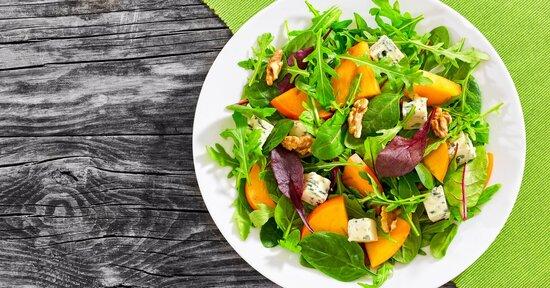 Condire l'insalata: non solo sale e olio
