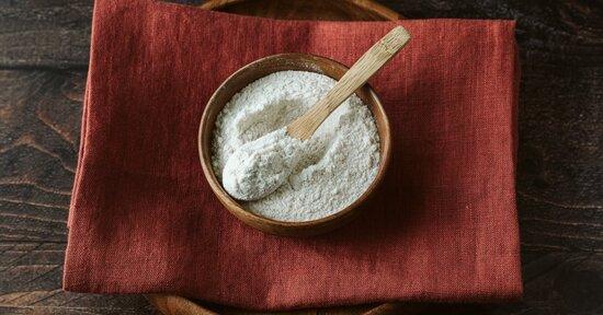 Farina di semi di carrube: addensante naturale senza glutine
