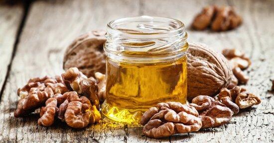L'olio di noci: tutti i benefici in cosmesi