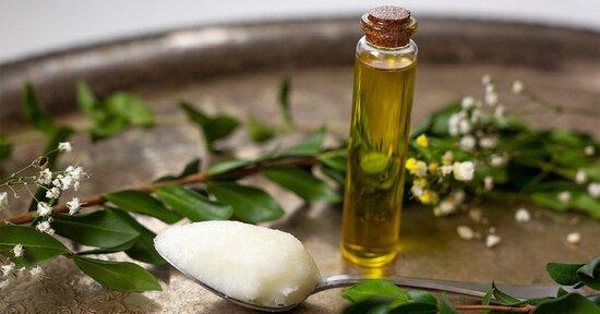 Meglio l'olio di cocco o l'olio extra vergine di oliva?