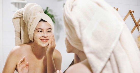 Scrub, gommage o peeling: conosci le differenze?