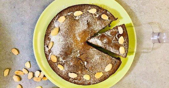 Torta alle pere e finto cioccolato