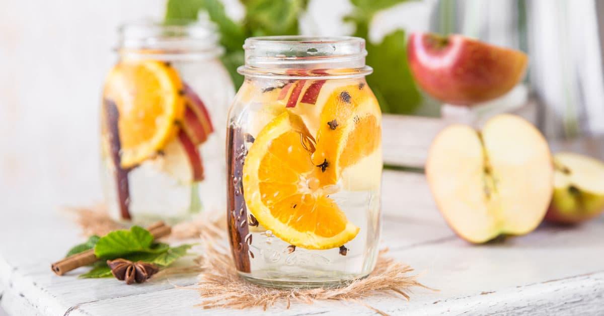 Acqua aromatizzata della settimana: Acqua aromatizzata all'arancia e cannella