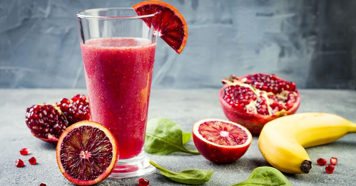 Frullato disintossicante di radici e frutti