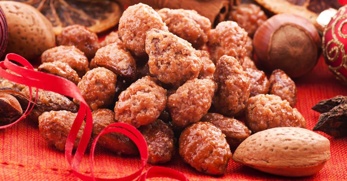 Mandorle pralinate con zucchero di cocco e cannella