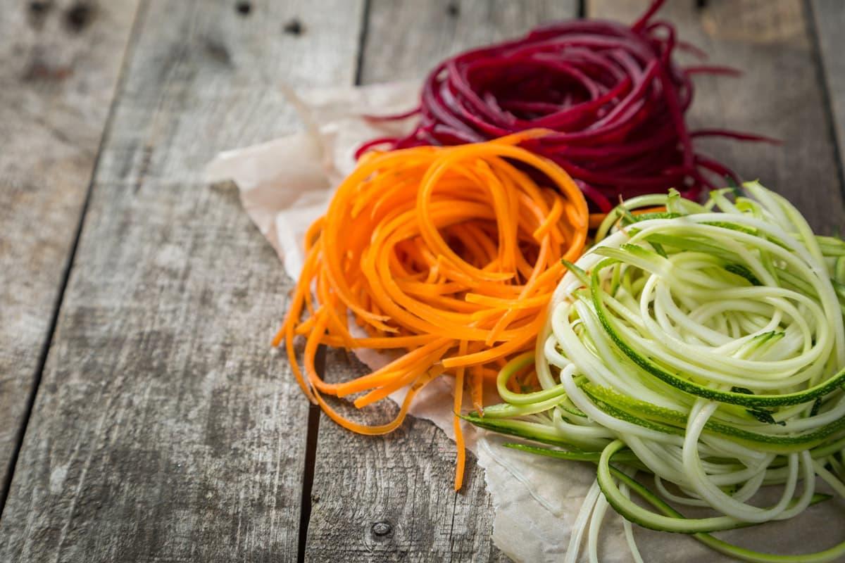 Spaghetti di verdura fatti in casa
