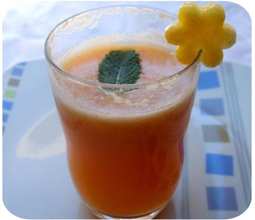 Il succo di carota  è buono e salutare 4317e0a9720d