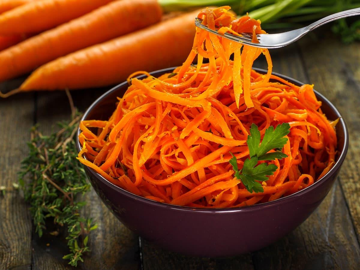 Spaghetti vegetali della settimana: Tagliatelle di carote in agrodolce