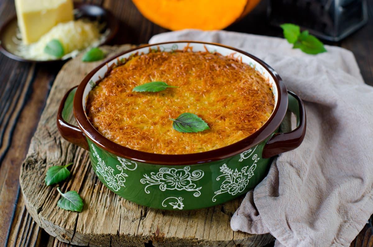Tortino di quinoa con radicchio e crema allo zafferano