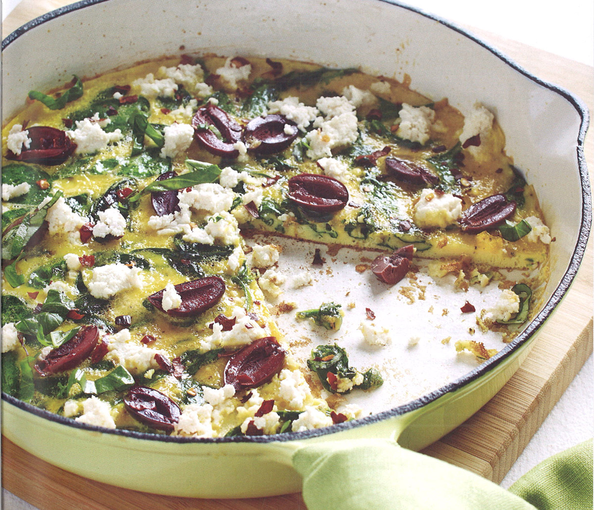 Pizza-frittata piccante con spinaci e olive