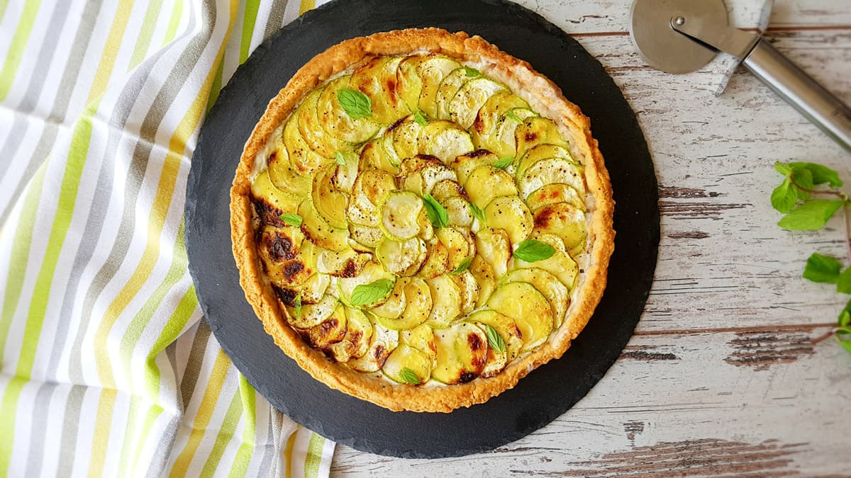 Crostata con zucchine e crema di olive