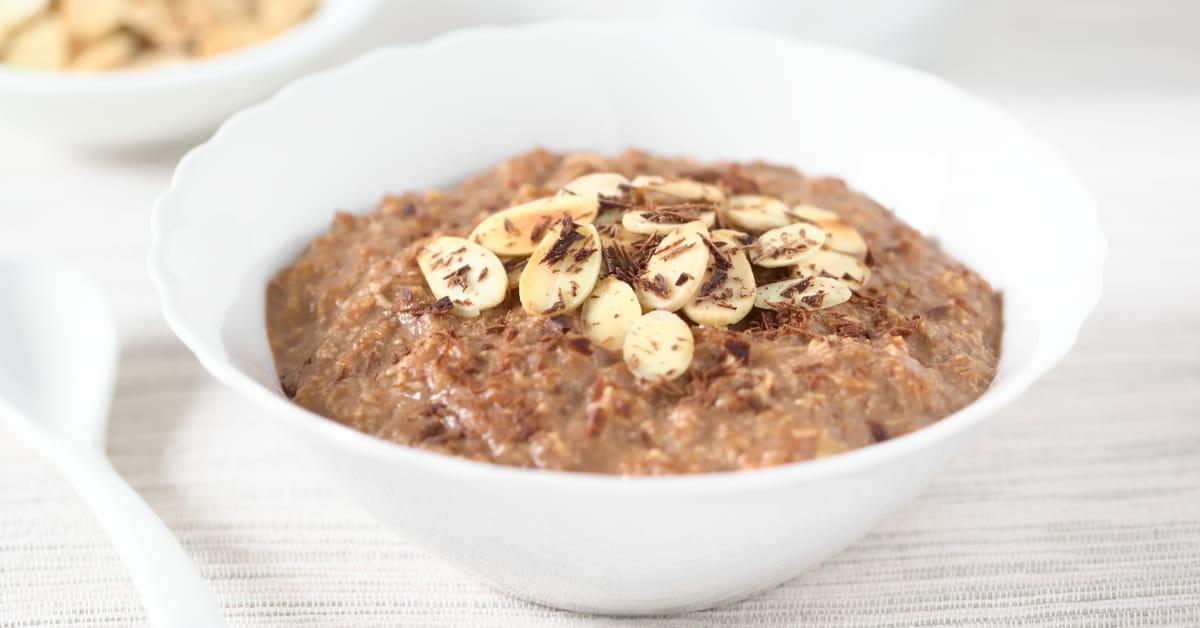 Porridge proteico al cioccolato con proteine vegetali
