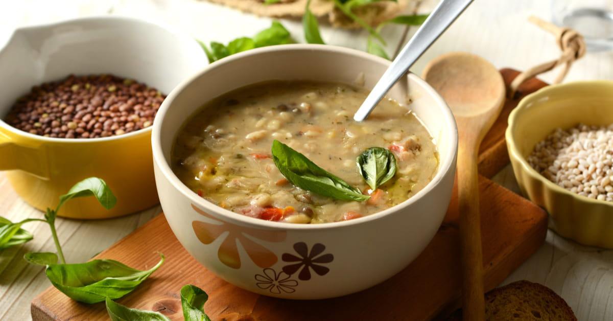 Zuppa legumi, cereali, verdure